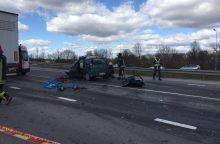 Kaune susidūrus sunkvežimiui ir automobiliui žuvo žmogus
