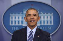 B. Obama paliks Baltuosius rūmus beveik nepraradęs populiarumo