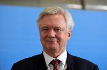 """Britanijos ministras: nesiruošiame papirkinėti ES narių dėl """"Brexit"""""""