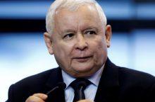 Lenkijos valdančiųjų lyderis nori radikalių teismų reformų