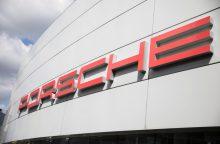 """""""Porsche"""" Europoje liepta atšaukti 22 tūkst. automobilių"""