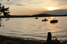 Misūrio ežere nuskendus turistų valčiai žuvo 11 žmonių