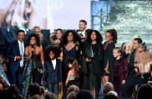 Amerikos muzikos apdovanojimai: žvaigždės pasisakė už didesnę vienybę