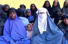 """Nigerijoje po """"Boko Haram"""" išpuolio tebeieškoma daugiau nei 100 mergaičių"""