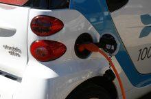 Naujausias tyrimas: elektromobilius eksploatuoti pigiau