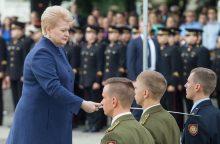 Karo akademijos absolventams bus suteiktas leitenanto laipsnis