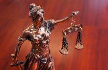 Prezidentė atleido bylas vilkinusią ir nepagarbiai bendravusią teisėją