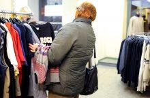 Siūlo nesigėdyti dėvėtų drabužių parduotuvių: jos netgi madingos