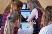 Informatikos pradės mokytis dar 90 Lietuvos mokyklų pradinukai
