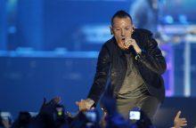 """Nusižudė grupės """"Linkin Park"""" lyderis"""