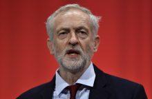 JK Leiboristų lyderis J. Corbynas atsisako atsistatydinti po pareikšto nepasitikėjimo