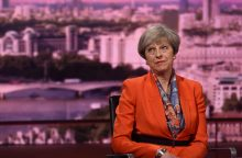 """Th. May pareiškė nesanti """"kitoje galaktikoje"""" dėl """"Brexit"""""""