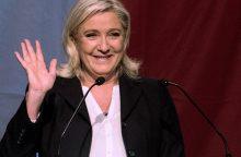 Prezidente siekianti tapti M. Le Pen premjeru paskirtų N. Dupont'ą-Aignaną
