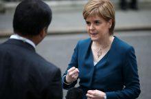 """Škotijos lyderė yra nusivylusi derybomis su Th. May dėl """"Brexit"""""""