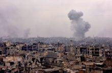 JAV, Britanija ir Prancūzija vadovauja raginimams nutraukti ugnį Alepe