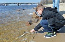 Ukraina pastatė Dnepro vandenį į Krymą blokuojančią užtvanką
