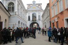 Vilniaus bažnyčioje girtas vyras užpuolė kunigą
