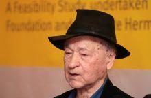 Eidamas 97-uosius metus mirė režisierius J. Mekas