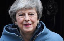 Britų konservatoriai planuoja maištą prieš Th. May