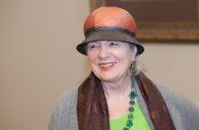 Mirė rašytoja, poetė, signatarė V. Jasukaitytė