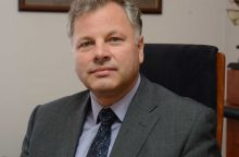 KU Taryba E. Juzeliūno prašymą tenkins nuo gegužės 2 dienos