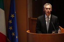 NATO vadovas susirūpinęs dėl Rusijos lėktuvnešio galimo vaidmens atakuojant Alepą