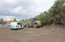 Telšiuose šalia geležinkelio bėgių skaldą krovė du girti traktorių vairuotojai