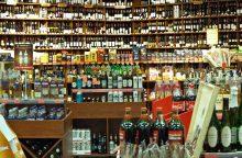Išaugus akcizams, mažėjo alkoholio pardavimai