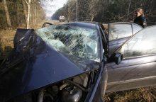 Praėjusi para keliuose: sužeista 15 žmonių, tarp jų 6 nepilnamečiai
