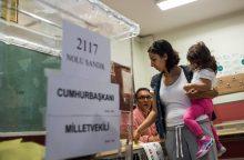 Turkijoje prasidėjo balsavimas prezidento ir parlamento rinkimuose