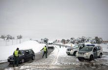 Sniegas Ispanijos keliuose įkalino per 2 tūkst. žmonių