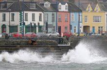 Artėjant milžiniškai audrai Airijoje uždarytos mokyklos