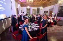 Tradicinėje verslo ir labdaros vakarienėje pinigai renkami stokojantiems