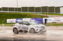 Geriausi vairuotojai klysta traukdami atsarginį ratą ar gaivindami sužeistąjį